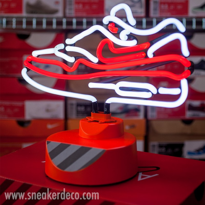table-top-neon-lamp-air-max-1-og-red-limited-edition (4)
