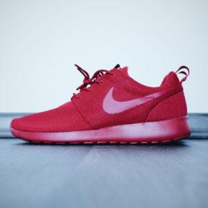 Nike Roshe One // All Red by Foot Locker